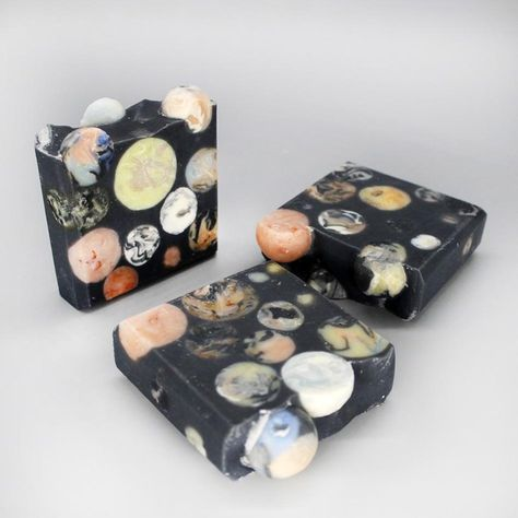 Handmade Soap Recipes, Soap Making Recipes, Handmade Soaps, Activated Charcoal Soap, Coconut Soap, Beer Soap, Babassu Oil, Rapeseed Oil, Soap Maker
