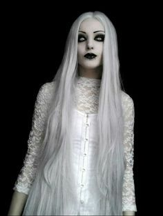 Womens Adult White /& Silver Long Chic Ghost Costume Wig