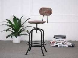 Epingle Par Monique Poll Sur Style Industriel Style Industriel Chaise Bar Idees De Decoration Interieure
