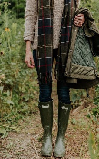 English Country Fashion, British Country Style, Country Style Fashion, British Style Outfits, English Style, Fashion Essentials, Style Essentials, Preppy Style, My Style