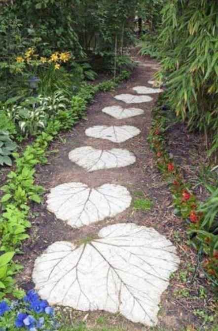 30 Stunning Garden Paths Ideas For Your Dream Garden | Garden Stepping Stones, Concrete Garden, Mosaic Garden