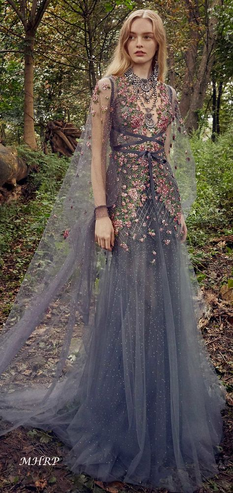 marchesa-collection-spring-2019-ready-to-wear_vogue.com