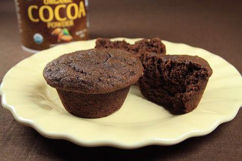 J'ai récemment découvert la farine de noix de coco pour cuisiner sans gluten. -Contenant plus de protéines et de fibres que la farine de blé, cette poudre fine et compacte «boit&n…