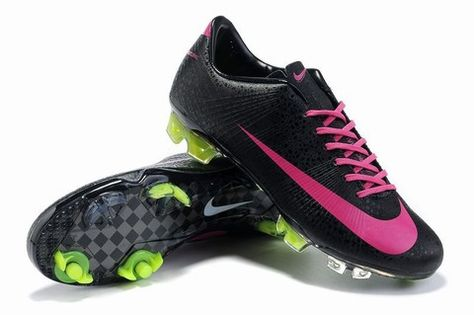 Its like these soccer boots were made for me!   Comida y