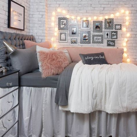 8 ideas to make a cozy room - HomeDBS College Bedroom Decor, Bedroom Decor For Teen Girls, Room Ideas Bedroom, Teen Room Decor, Teen Girl Bedrooms, Bed Room, Small Bedroom Ideas For Women, Cozy Teen Bedroom, Young Adult Bedroom