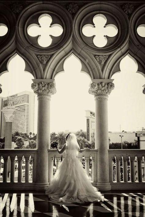 18 Gorgeous Las Vegas Wedding Ideas To Embrace