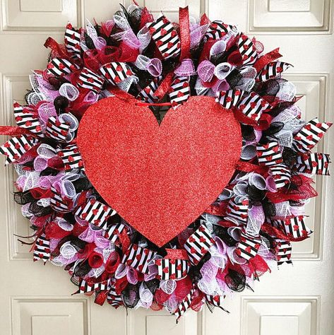 List Of Pinterest Valentines Day Decorations Outdoor Heart Wreath