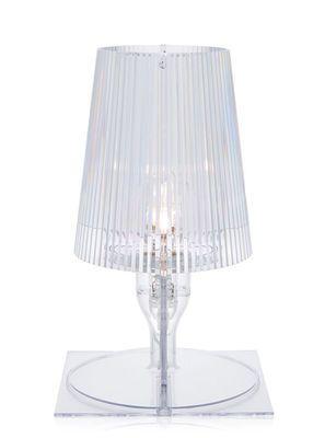 Lampe De Table Take Kartell Transparent Made In Design En 2020 Lampes De Table Lampes De Table De Chevet Et Verre Clair