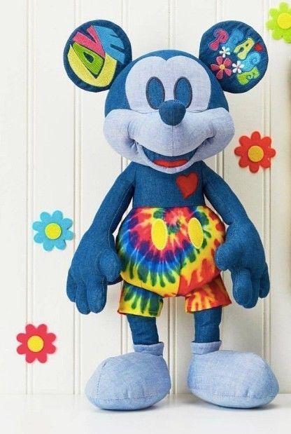 Disney store 2020 Mickey mouse halloween 15in plush limited release