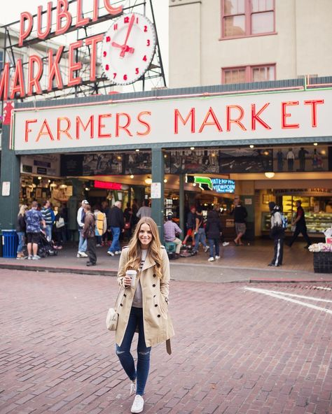 Coffee in hand ready to take on the crowds at Pike's Place yesterday morning…