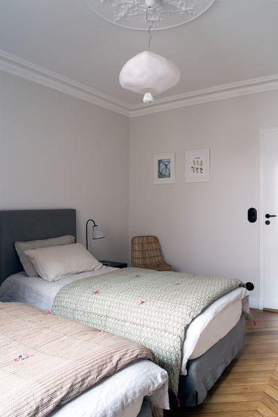 Appartement Paris 6 Un 90 M2 Haussmannien Moderne Cote Maison En 2020 Appartement Paris Idees Chambre Appartement Parisien