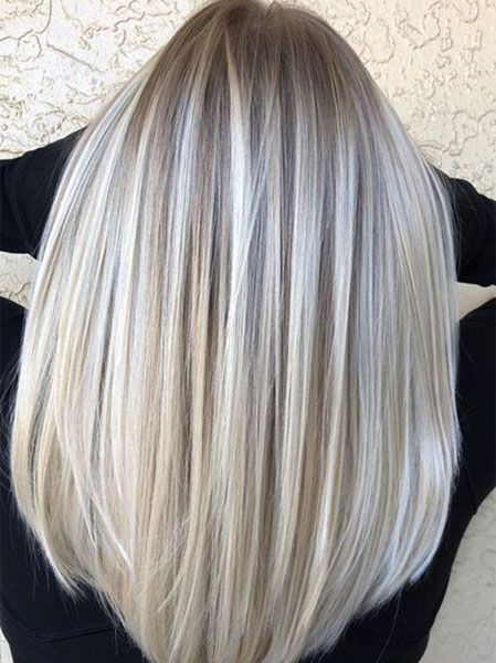 20 Silver Hair Colour Ideas for Sassy Women – The Trend Spotter 20 silberne Haarfarben-Ideen für freche Frauen – The Trend Spotter Gray Hair Highlights, Hair Color Balayage, Ombre Hair, Chunky Highlights, Grey Hair Lowlights, Caramel Highlights, Balayage Brunette, Platinum Blonde Balayage, Balayage Straight