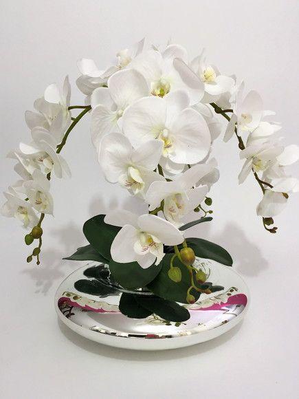 Arranjo De Orquideas Brancas De Silicone Em Vaso Espelhado Com