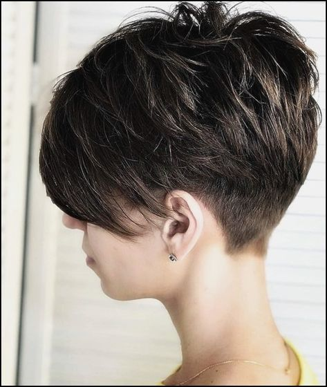 20 Unusual short hairstyles for women -  #hairs #hairstyles #short #Unusual #women