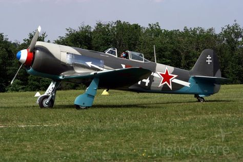 FlightAware > Photo de YAK1 (F-AZNN)