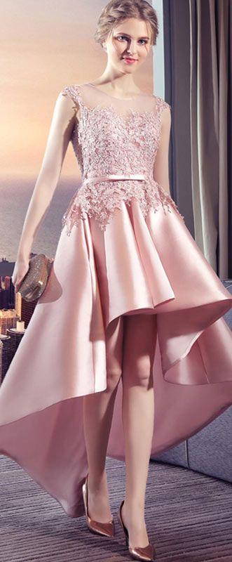 robe de soirée rose courte devant longue derrière brodée