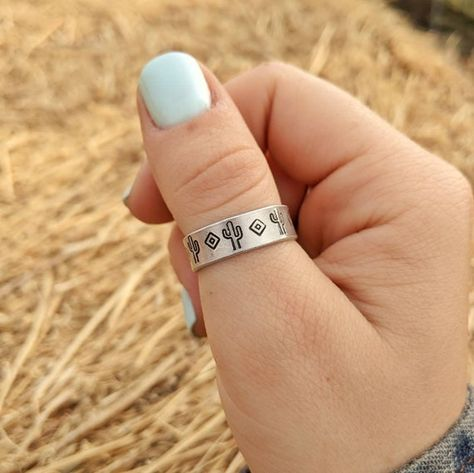 Cowgirl Bling, Cowgirl Jewelry, Western Jewelry, Country Rings, Country Jewelry, Country Nails, Western Wedding Rings, Western Rings, Rodeo Nails