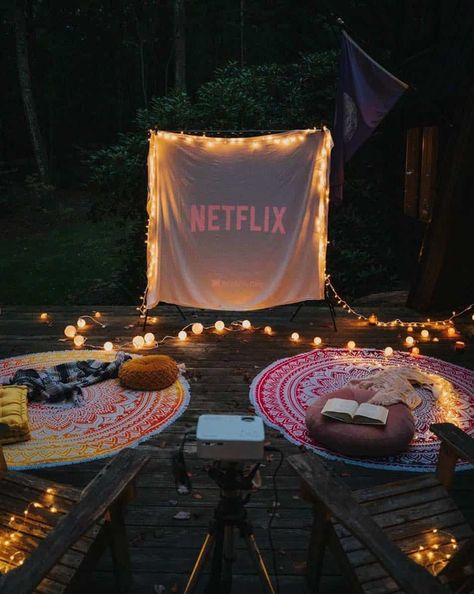 20  Cool backyard movie theaters for outdoor entertaining