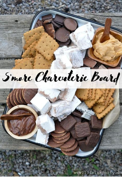 S'more Charcuterie Board – Life is a Party S'more Charcuterie Board: this s'more themed dessert board is perfect as a summer treat around a campfire, or for your camping themed party. Just Desserts, Delicious Desserts, Dessert Recipes, Yummy Food, Desserts For Dinner Party, Dessert Ideas For Party, Food For Parties, Party Food Ideas, Best Party Food