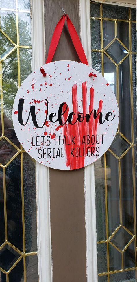 Diy Signs, Wall Signs, Halloween Door Hangers, Homemade Signs, Wooden Door Hangers, Craft Day, Painted Doors, Front Door Decor, Wooden Signs
