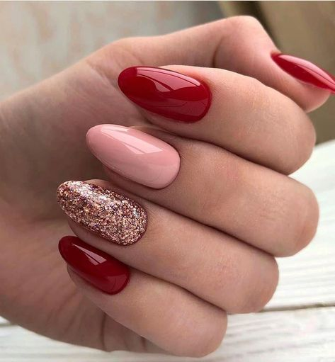 47 Elegant Nail Art Designs Ideas For Your Inspiration Classy Nails, Fancy Nails, Stylish Nails, Simple Nails, Pink Nails, Cute Nails, Simple Elegant Nails, Red Glitter Nails, Red Manicure
