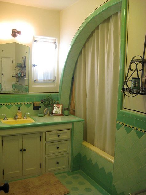 "1933 Spanish house, including original Deco tile bathoom including ""shark fin"" shower/bath and original fixtures. I really like this design! Art Deco Tiles, Art Deco Bathroom, Bathroom Showers, Retro Interior Design, Vintage Bathrooms, Design Furniture, Rustic Furniture, Handmade Furniture, Art Deco Furniture"