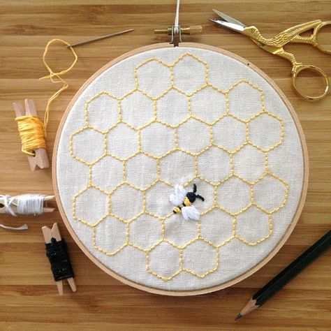 Honey Bee with Hexagon Background Embroidery Design - PDF - DIY Sewn Artwork .- Honigbiene mit Sechseck Hintergrund Stickmuster – PDF – DIY genähtes Kunstwerk … Honeybee with hexagon background embroidery design – PDF -… - Floral Embroidery Patterns, Simple Embroidery, Japanese Embroidery, Hand Embroidery Stitches, Embroidery Hoop Art, Crewel Embroidery, Embroidery Designs, Modern Embroidery, Beginner Embroidery
