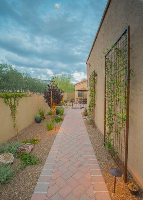 37 Desert Landscape Ideas Side Yard Landscaping Desert Backyard