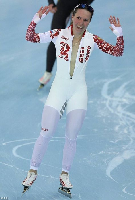 Russian speedskater forgets shes naked under her suit