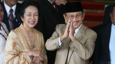 Kisah Cinta Sejati BJ Habibie dan Ainun, Ngotot Dimakamkan di Samping Istri hingga Dijadikan Monumen #indonesiaberduka  #RIPbjhabibie  #RIPBapakTeknologiIndonesia #TribunNews