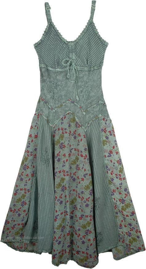 Women`s Fern Green Rayon Long Dress in Dresses (XL-Plus). Bottom Flare Rayon Sexy Long Dress If you are looking for a lightweight and cute, swingy dress, you have found it. Pretty Outfits, Pretty Dresses, Cute Outfits, Fairy Outfits, Dream Dress, I Dress, Sexy Long Dress, Long Casual Dresses, Western Style Dresses