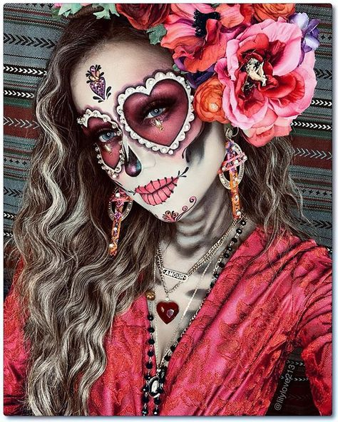 Halloween Makeup Sugar Skull, Sugar Skull Makeup, Halloween Makeup Looks, Creative Halloween Costumes, Halloween Kostüm, Couple Halloween Costumes, Sugar Skull Costume, Skeleton Makeup, Sugar Skull Art