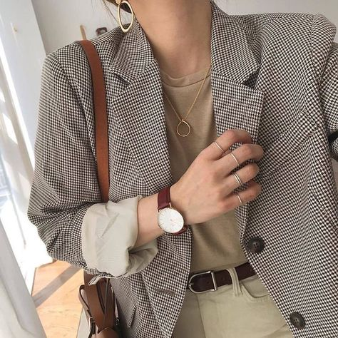 @streetstyle_inspiration_me tendance mode dressing vetements accessoires tenues ootd defile look elegance glamour femme bijoux fashion style de vie