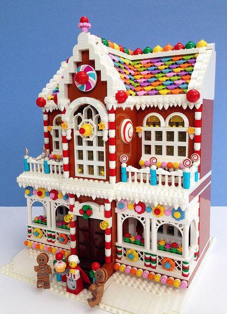~ Lego Mocs Holidays ~ Christmas ~ by Parks and Wrecked Creations Lego Winter, Village Lego, Lego Christmas Village, Lego Christmas Sets, Lego Duplo, Lego Ninjago, Lego Design, Lego Friends, Legos