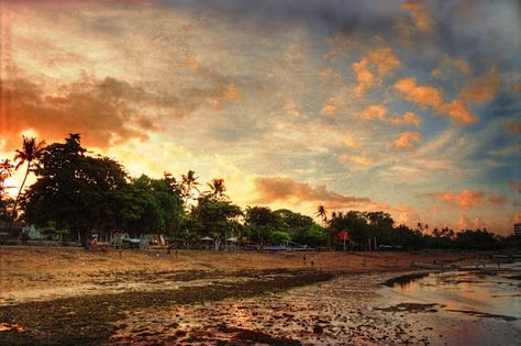 Sanur sunset, an almost deleted picture - and a free texture