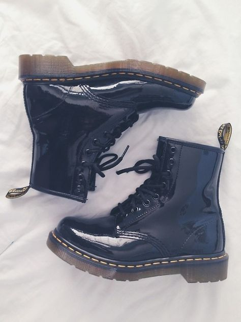 See, I love Docs, they're soo cute on other people, but I'm scared they will make my feet look HUGE and make me look like a grunge wannabee.