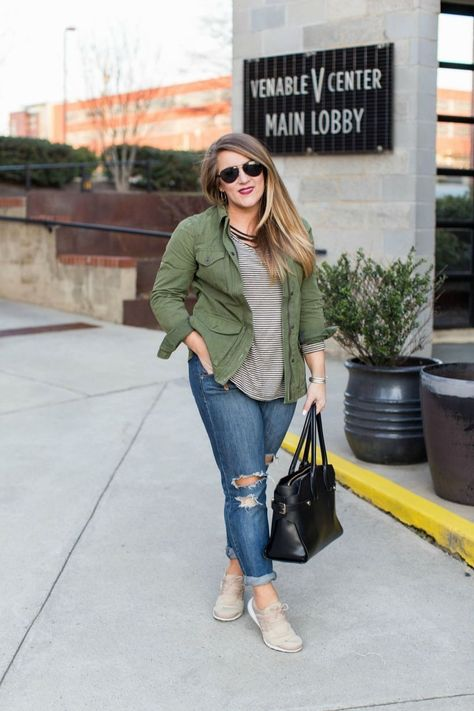 42 Beautiful Casual Mom Plus Size Winter Outfit Ideas to Wear Everyday,  #Beautiful #casual #...