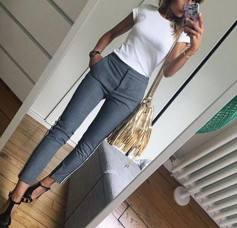 Fashionable Work Outfits Work attire ideas for Fashion outfits Work Outfits Office Outfits Fall Fashion 2019 Winter Outfits 2019 Pants Outfits 2019 Crop Top Outfits 2019 Summer Fashion 2019