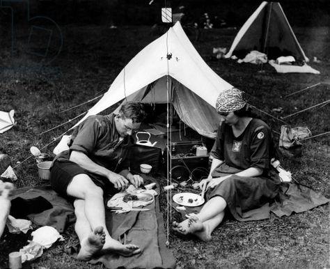 33 Best { Camping } images   Vintage trailers, Vintage