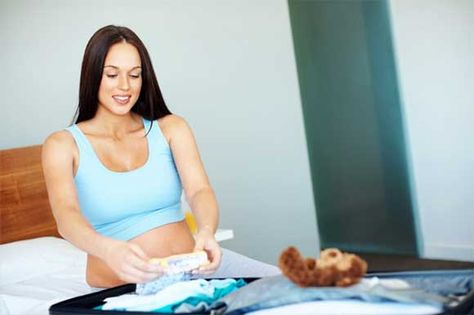 donna-incinta-valigia-ospedale