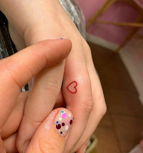 Tiny tattoos for girls, small tattoos for girls for fingers, red colour small heart shaped tattoos for fingers, simple tattoos for fingers