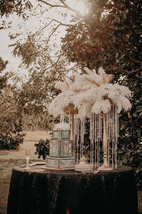 50 Beautiful Great Gatsby Wedding Inspiration - Beauty of Wedding Great Gatsby Themed Party, Great Gatsby Wedding, Gatsby Party, Gatsby Wedding Decorations, 1920s Wedding Decor, 1920 Theme Party, Great Gatsby Decorations, Art Deco Wedding Theme, 20s Party