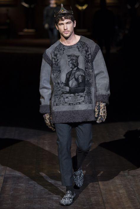 d35ed2de926 Dolce   Gabbana - Men Fashion Fall Winter 2014-15 - Shows - Vogue.it