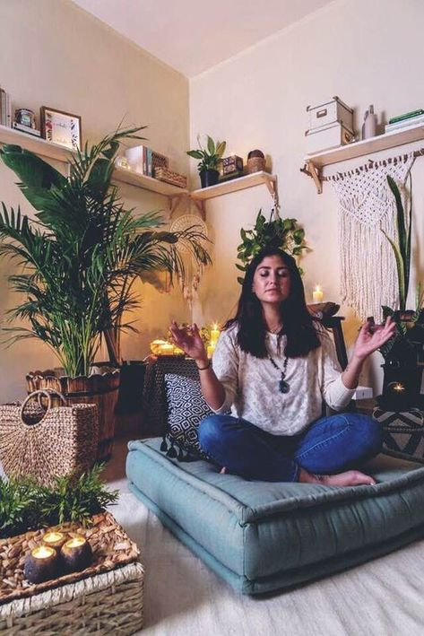 meditation room decor 10 Simple Steps to Creating Your Own Meditation Corner At Home The Daily Crisp Meditation Room Decor, Meditation Corner, Relaxation Room, Meditation Space, Zen Room Decor, Relax Room, Meditation Garden, Home Yoga Room, Yoga At Home