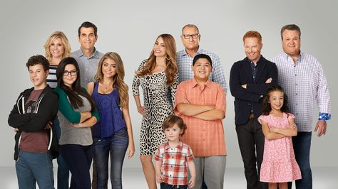 #ModernFamily - Season 6 Cast Photo 2