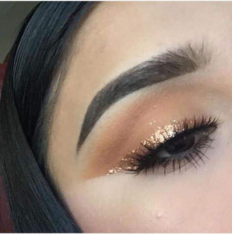 Idée Maquillage 2018 / 2019 : a faire avec le gloss kiko pour yeux brillant