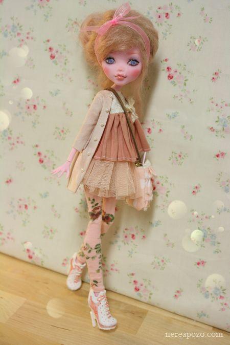 Becky Rose - OOAK Draculaura custom repaint Monster High doll by Nerea Pozo