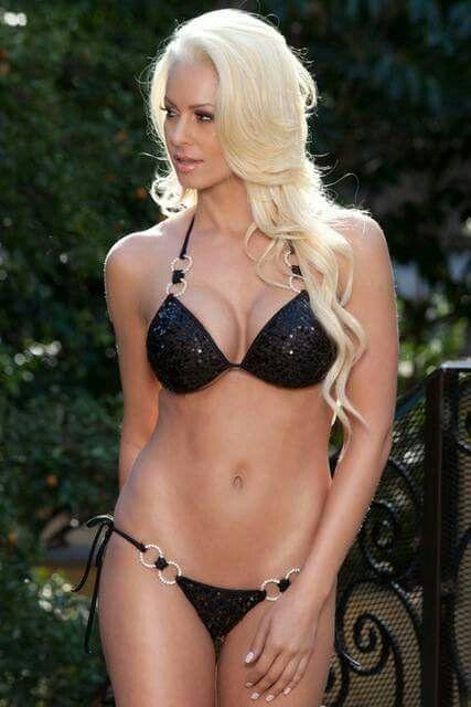 Maryse In Bikini