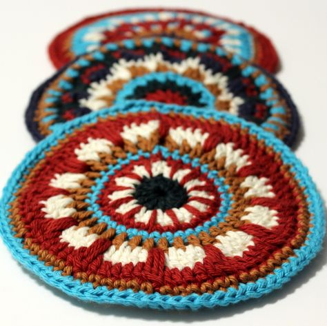 colourful potholders - tutorial by Heavily Edited.