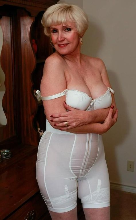 Pics of women wearing girdles and having sex